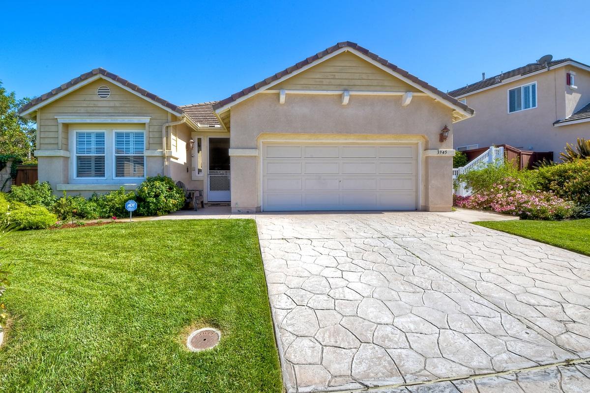 3945 Foothill Ave, Carlsbad, CA 92010