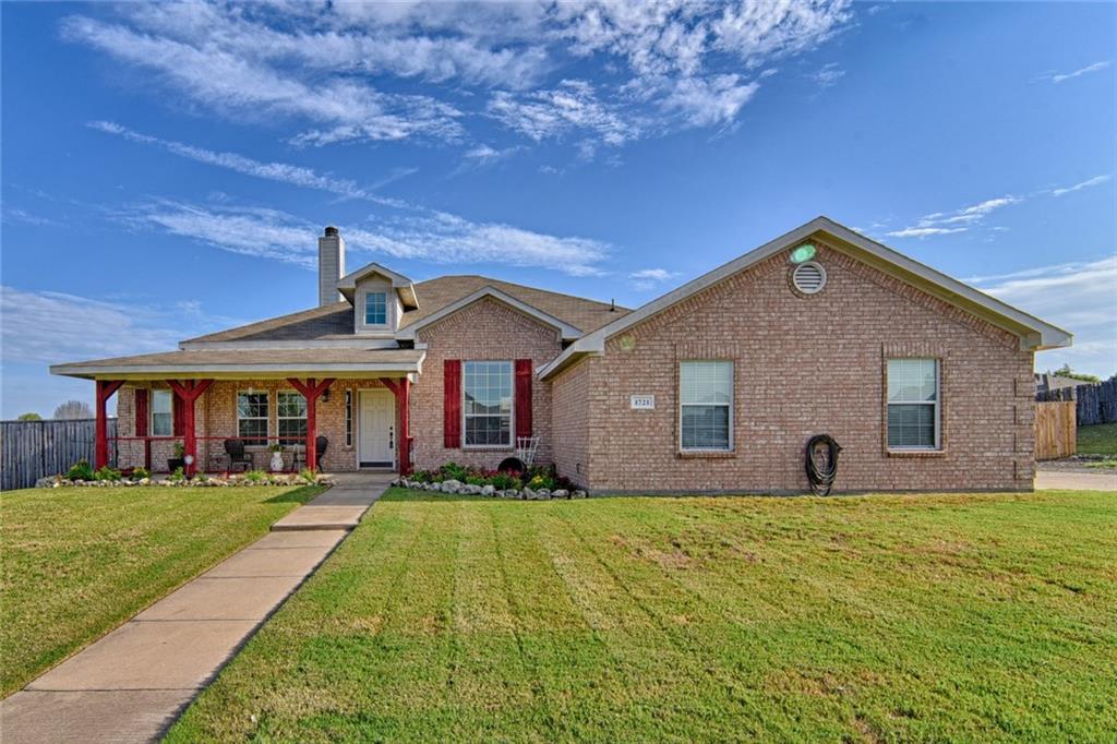 1721 Pine Drive, Midlothian, TX 76065