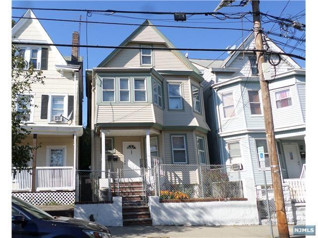 30 Chestnut Hill Place, Glen Ridge, NJ 07028