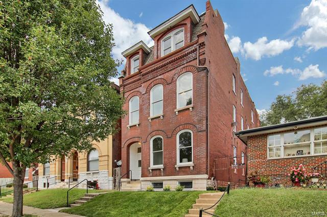 2709 Armand Place, St Louis, MO 63104