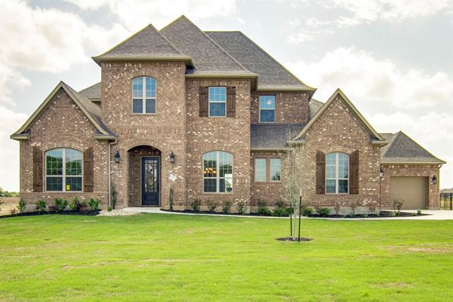 This stately, classic home exudes warmth and welcome in every space!  The all-brick Colinas II features a butler's pantry and a working pantry, a media room and a game room, formal living and dining rooms, and a laundry room with an island! At over 5000sf including 5 bedrooms, 4.5 baths, and extra large entertaining space, everyone has ample room!  Come see this graceful home set on a one-acre lot in beautiful Clearwater Ranch.