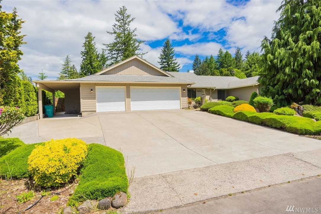 12404 SE Riveridge Dr, Vancouver, WA 98683