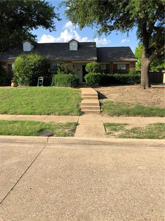 Great home in fantastic neighborhood. Move in ready! Huge living room with vaulted ceilings. Roof replaced March 2018, 2 inch blinds throughout, tile in kitchen, entry, bathrooms. Kitchen has tile floor, window seat and undercounter lighting. This home is a must see.