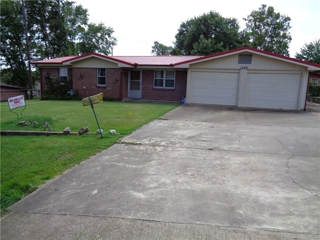 1209 N 18th ST, Ozark, AR 72949