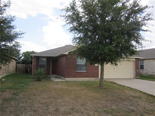 Good Family home, 3-2 with 2 dining areas. 3 sides brick. Greenbelt behind this property. Located near the pool area.
