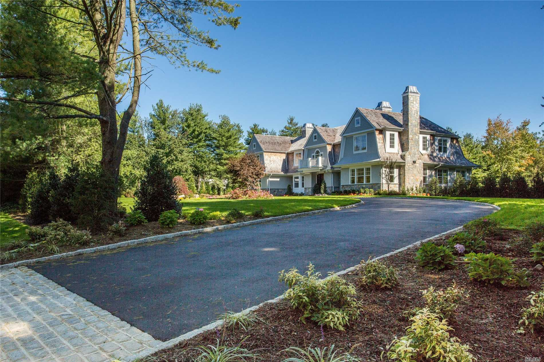Unparalleled 6,500 Sqft New Const In The Prest Vill Of Old Westbury.Cedar & Stone Hampton Style Colonial To Be Built By Noted Gold Coast Builders. 2 Flat Prof Lndscpd Acres. Transitional & Chic W/The Finest Materials.Designr Trim & Moldings,Fdr W/Coff Ceil. 20Ft Grand Ef.Chef's Gourm Kit W/Comm Grade Apps,Mstr Ste W/Fpl,Sit Rm,Wic,Spa Bth.Ig Heated Pool.East Williston Sd.
