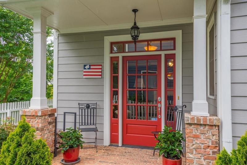 112 E Lake Terrace SE, Atlanta, GA 30317