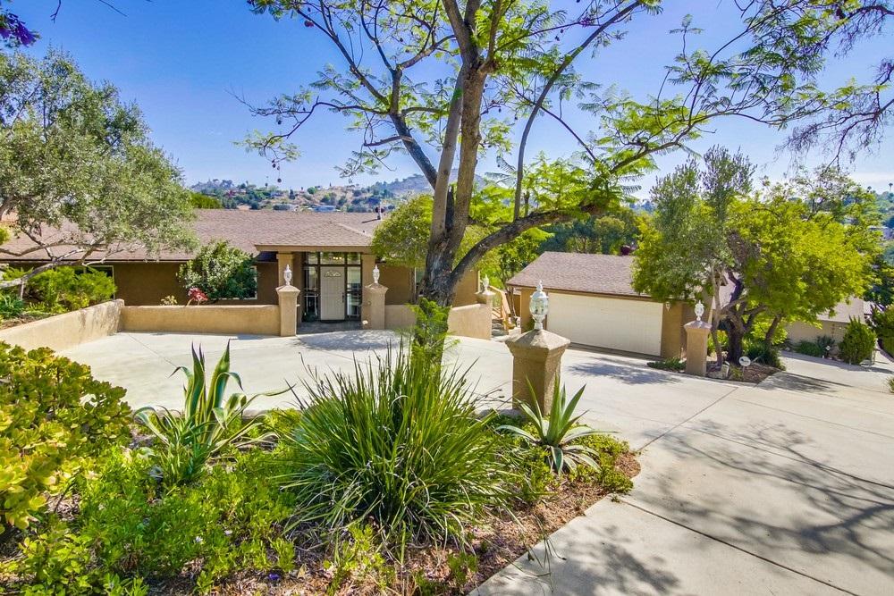 4233 Woodland Dr, La Mesa, CA 91941
