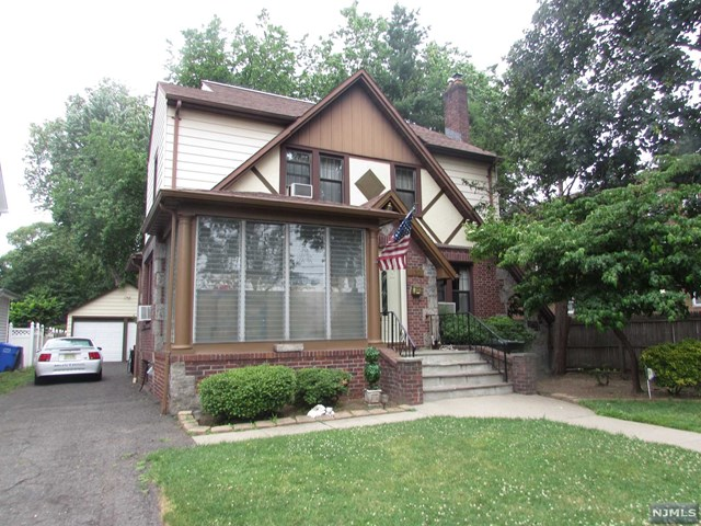 132 Hackett Place, Rutherford, NJ 07070