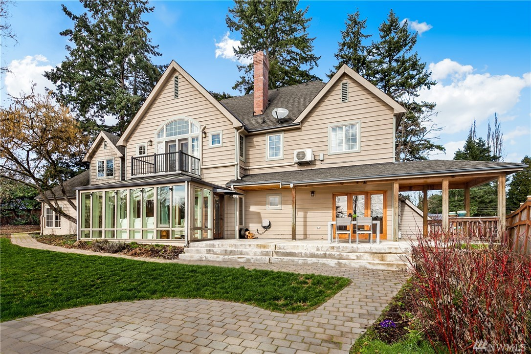 3035 NE 195th St, Lake Forest Park, WA 98155