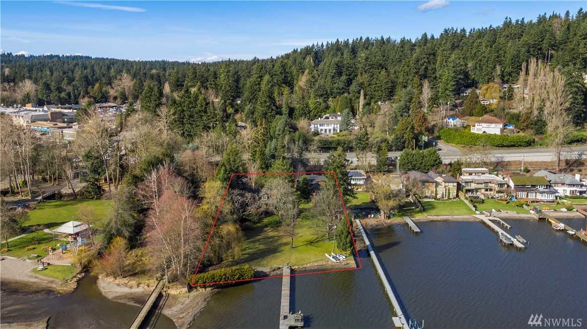17345 Beach Dr NE, Lake Forest Park, WA 98155