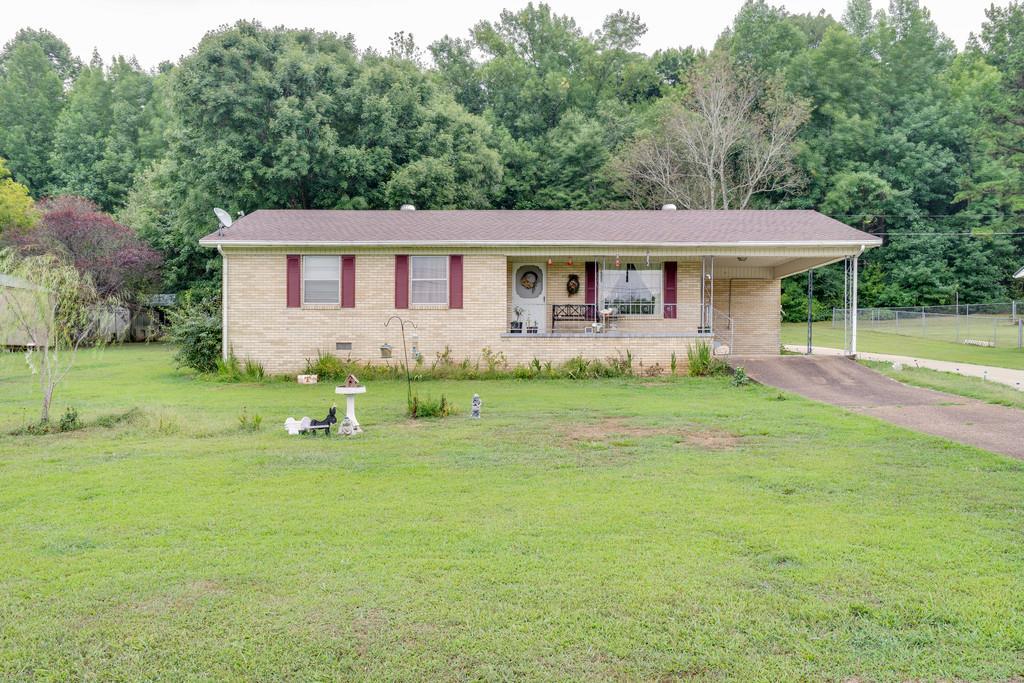 5045 Sunny Acres Dr, Waynesboro, TN 38485