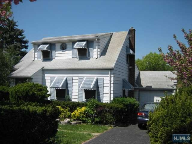 283 Mount Pleasant Avenue, Wallington, NJ 07057