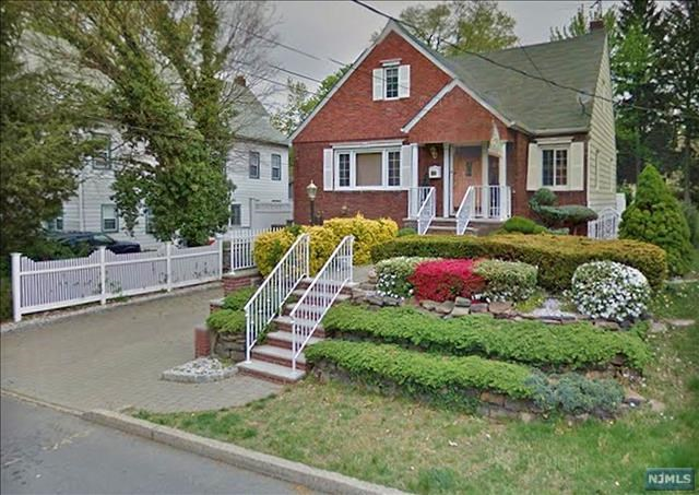 315 Hillside Avenue, Leonia, NJ 07605
