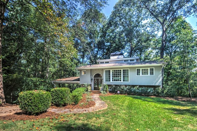 2925 Ridgewood Circle NW, Atlanta, GA 30327