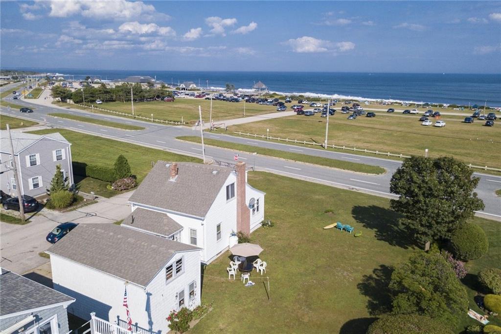2 Elizabeth RD, Narragansett, RI 02882