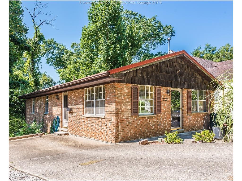 1714 Woodbine Avenue, Charleston, WV 25302
