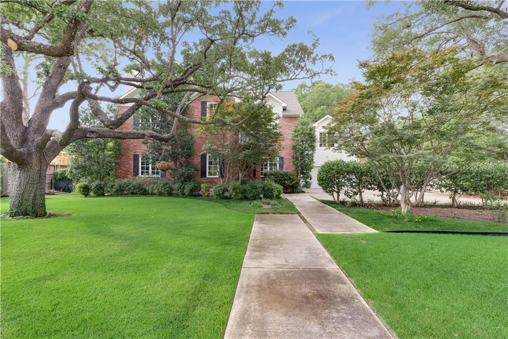 The beauty of this .38 acre lot in Devonshire cannot be denied. Talk about all-American curb appeal and one of the most peaceful and picturesque yards on the market at this price point. Warm natural light beams through the home that features a fabulous formal dining room, great room study, and a separate living and family room. The master is located upstairs as well as the other three bedrooms. The master bedroom has a separate sitting room and beautiful master bath. Not to mention, the fourth bedroom can function as a bedroom or media room as well which provides great family flexibility.