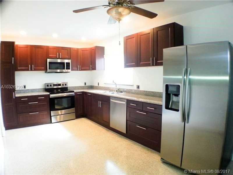 2259 NE 174th St, North Miami Beach, FL 33160