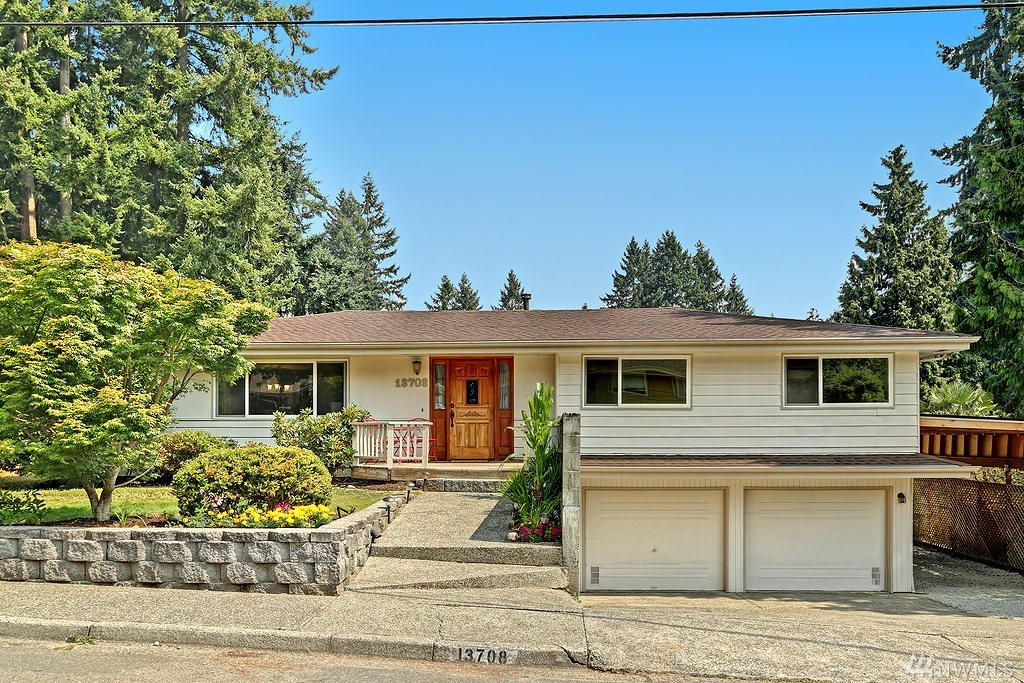 13708 NE 70th Place, Redmond, WA 98052