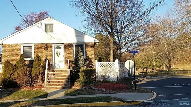 315 Maple Avenue, Wallington, NJ 07057