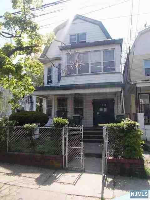 390-392 Seymour Avenue, Newark, NJ 07112