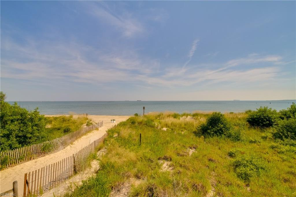 3800 Dupont Circle 204, Virginia Beach, VA 23455