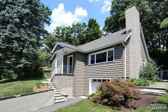 15 High Mountain Road, Oakland, NJ 07436