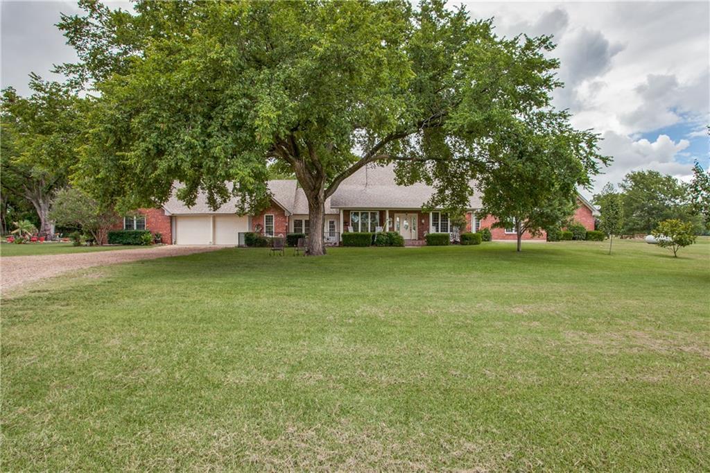 400 County Road 4235, Bonham, TX 75418