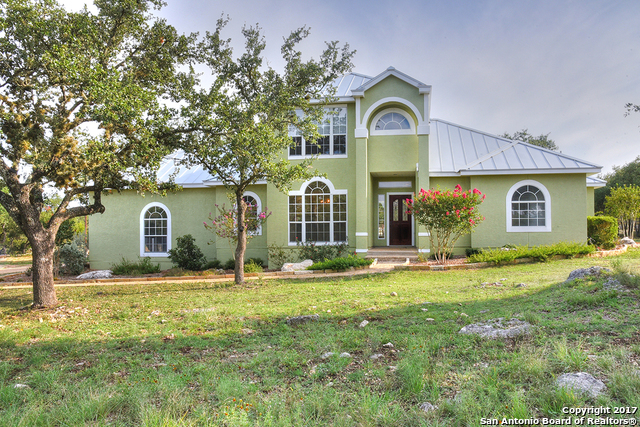 8155 Rolling Acres Trl, Fair Oaks Ranch, TX 78015