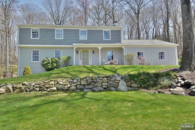 76 E Lake Road, Butler, NJ 07405