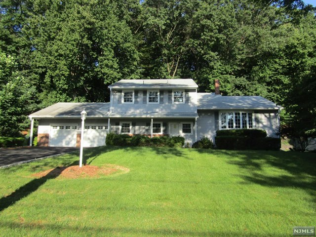 670 Kennedy Drive, Twp of Washington, NJ 07676