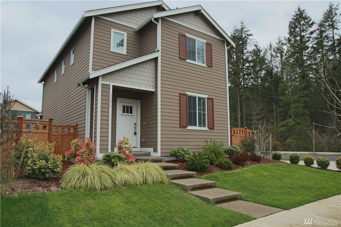 Enjoy this like-new home, close to 2 golf courses, parks with large fields and playgrounds, miles of sidewalks, trails, and bike lanes. Near I-5, JBLM, shopping and schools. Open layout, lots of windows, wood laminate flooring, Kitchen with granite, gas range/oven, stainless appliances, great room w/gas fireplace. Bdrms and laundry upstairs (washer/dryer available). Tankless water heater, gas furnace, fully fenced/landscaped, 2-car garage. Must see!
