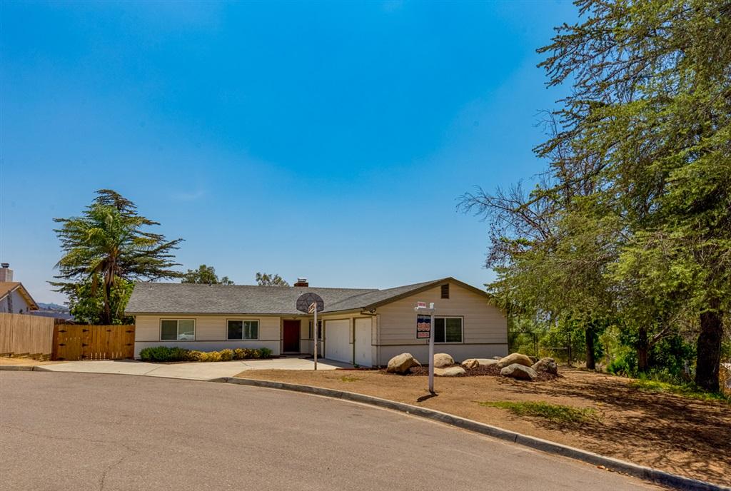 1615 Hollow Pl, El Cajon, CA 92019