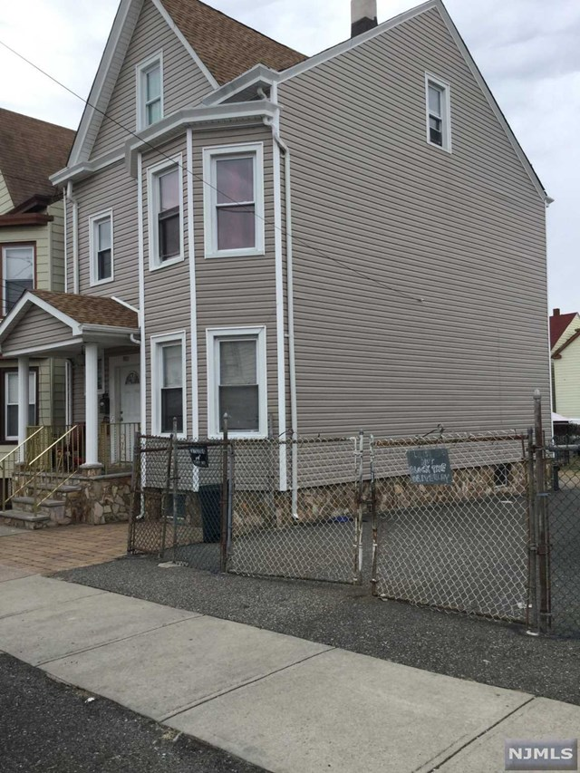 1090-1092 E 24th Street, Paterson, NJ 07513