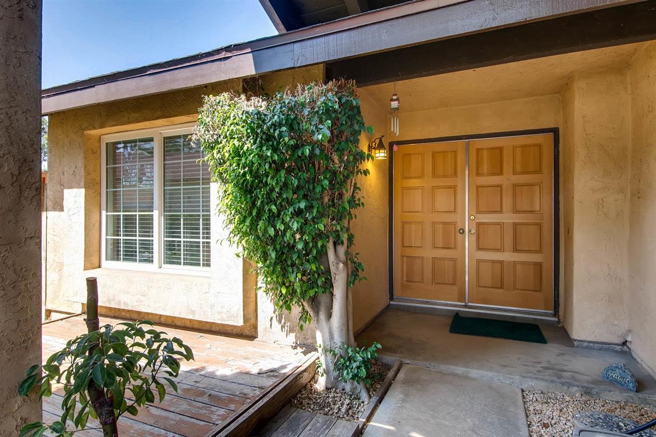 318 Calle Juanita, San Marcos, CA 92069