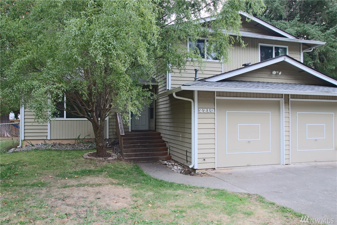 Great opportunity for sweet equity!! 3-bedroom tri-level with good floor plan. Living room, kitchen open to dining, lower level has separate family room w/wood stove and 3/4 bath. Upstairs: 3 bedrooms, 1 full bath. Large deck overlooking fully-fenced backyard backyard and separate fully-fenced side yard. RV Parking. Located on cul-de-sac, short walk to Wonderwood Park, near shopping, schools and I-5! Needs new flooring, paint, and some siding repair. Cash, Conventional, or Rehab Loans only.