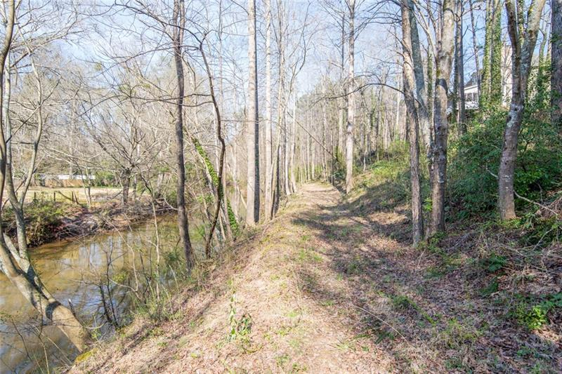 Spacious bank area can be used for a bonfire or relaxing by the creek!