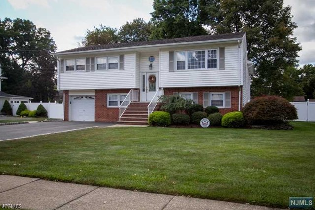 23 Stag Trail, Fairfield, NJ 07004