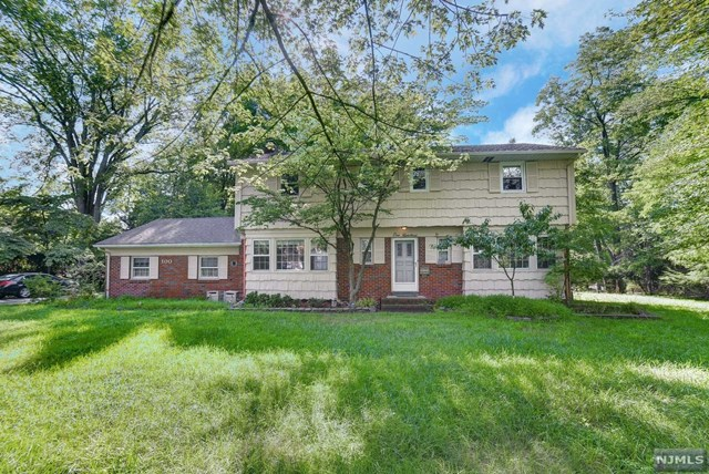 100 Schraalenburgh Road, Haworth, NJ 07641