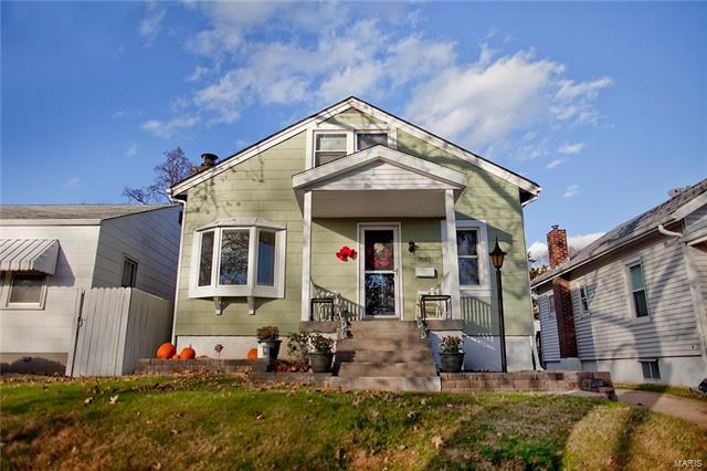 7053 Sutherland Avenue, St Louis, MO 63109