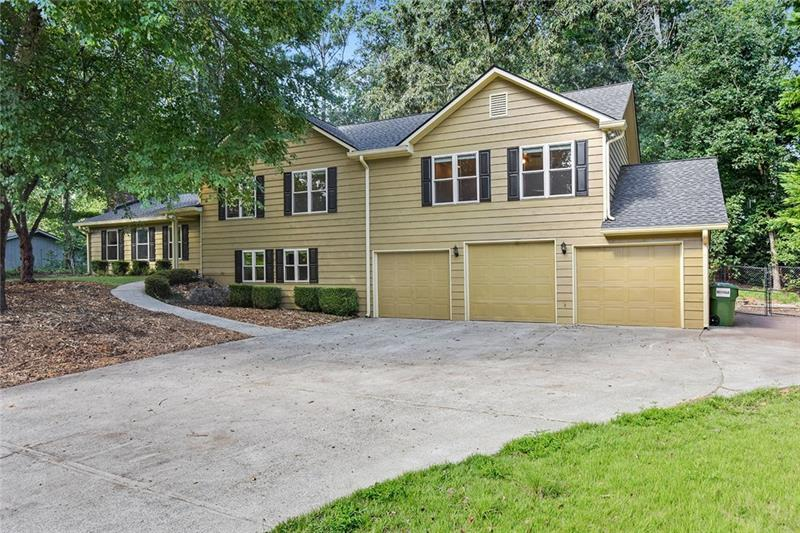 4413 Old Mabry Place, Roswell, GA 30075