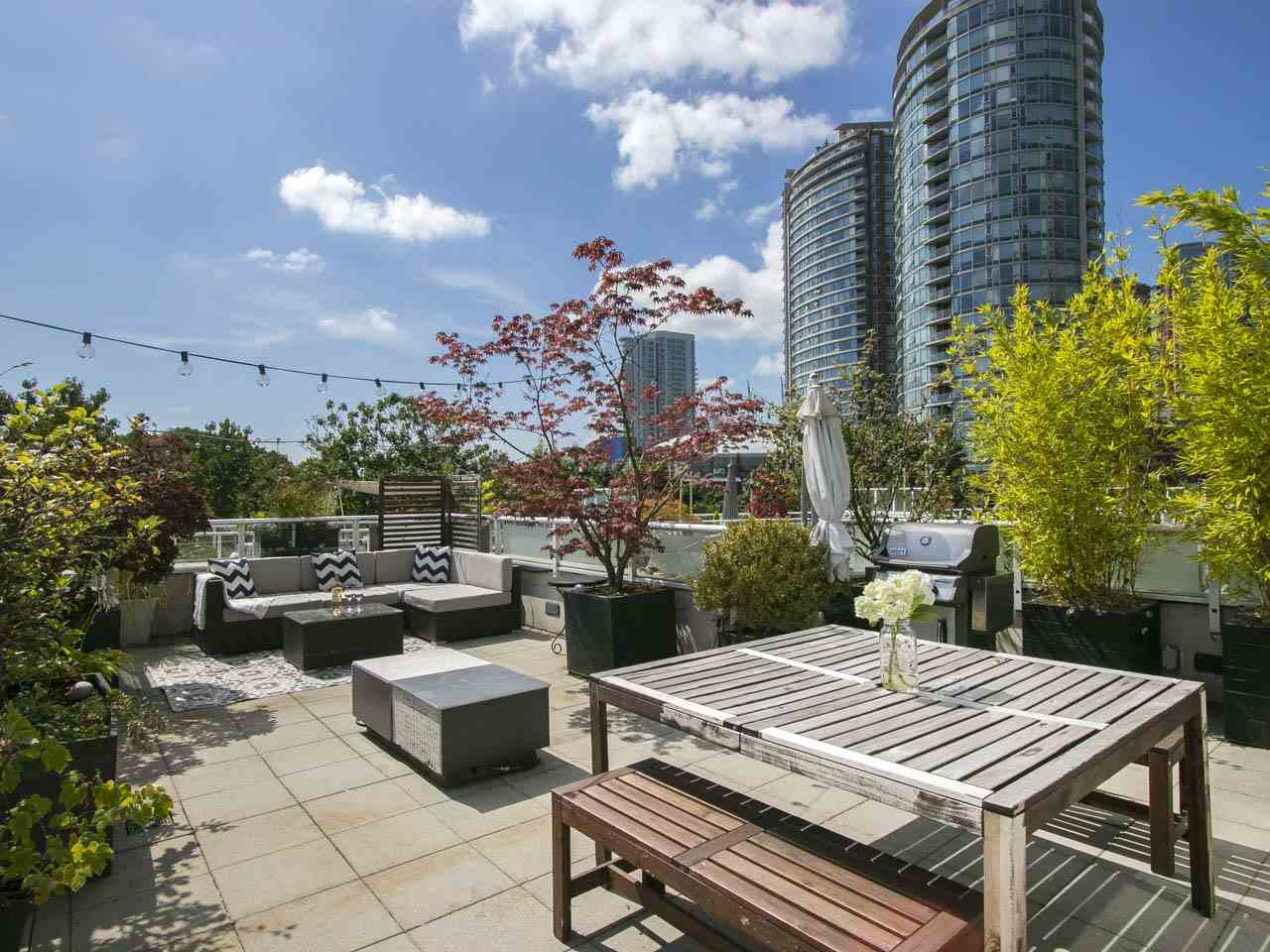 35 KEEFER PLACE 252, Vancouver, BC V6B 1P8