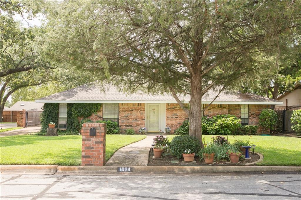 1024 Hazelwood Drive, Mansfield, TX 76063