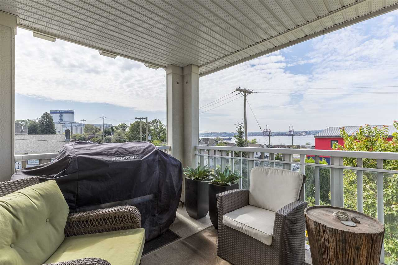 365 E 1ST STREET 204, North Vancouver, BC V7L 4W5