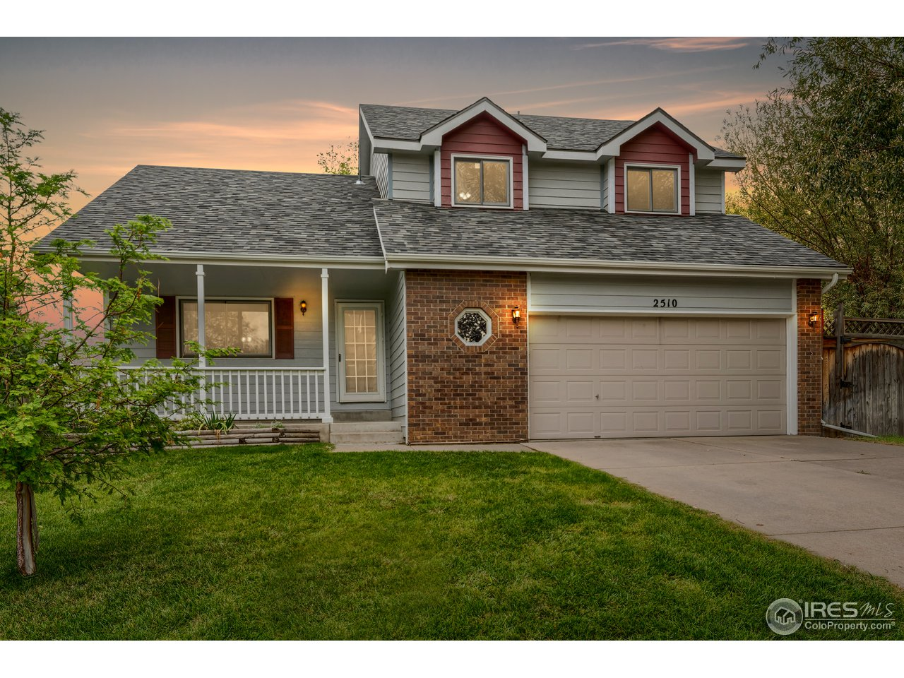 Beautiful 4 bed, 3.5 bath home backing to the Highland Hills Golf Course! 2-story home offers open floor plan & vaulted ceilings. Updated kitchen boasts new granite counters, stainless appliances & a separate dining room with bay windows. Cozy up by the family room fireplace. Relax on the patio of the backyard featuring a storage shed, RV parking & a power & dump station. New class 4 resistant roof. 2 car garage. Safe neighborhood in a great location close to many parks, shops & restaurants.