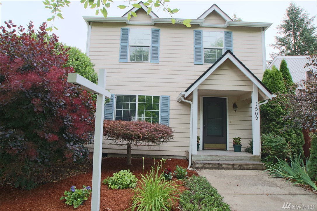 Convenient Westside Location - Move-In Ready 3-Bedroom Home! Over 1700sf w/great floor plan, tastefully painted throughout! Living room, separate family room w/corner fireplace, open to kitchen and dining! Bright kitchen has ample cabinet space, gas range, updated lighting. Spacious master w/double closets and full private bath, 2 other beds - 1 w/walk-in closet, and full bath. Low maintenance, fenced backyard w/stamped concrete, mature landscape, fantastic space for entertaining! Must See!