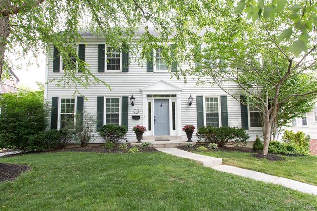 638 S Berry Road, Webster Groves, MO 63122