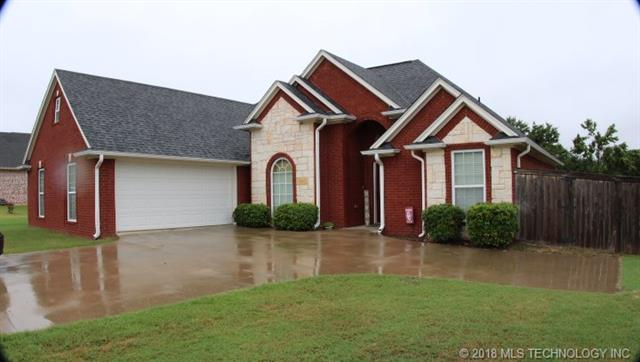 This Beautiful 3 bedroom 2 bath home in Remington Hills Is the perfect place to call home. It has tall ceilings, an open floor plan, hardwood floors, granite counters, Bonus room Upstairs that could be used as a 4th bedroom, and   an above ground pool.