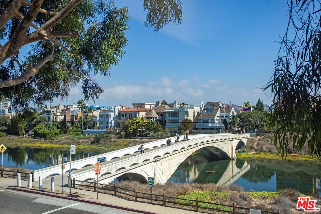 30 LIGHTHOUSE Street 2, Marina Del Rey, CA 90292